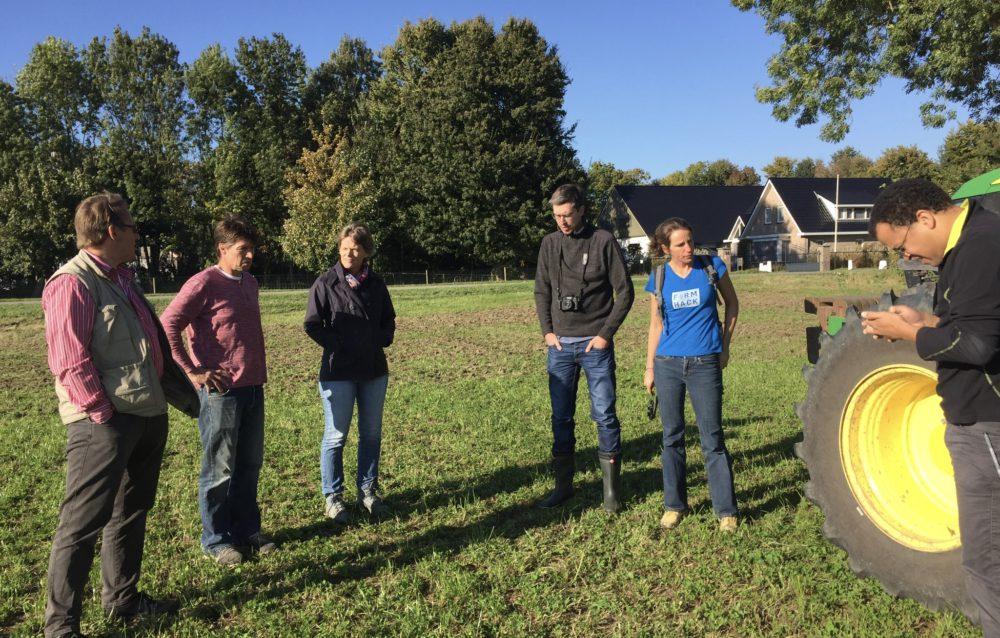 Het veld in met Carel Bouma, bioboer, met de lekkerste knoflook van Nederland